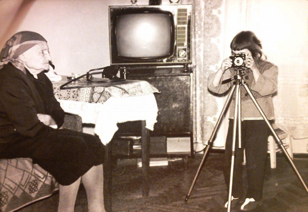 Я  фотографирую прабабушку, первую фотомодель нашем роду! На первом фото тоже она, Мика Анна Францевна.