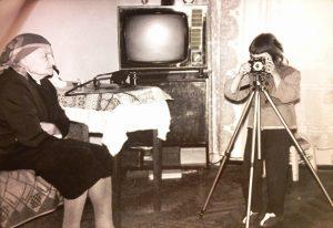 Я фотографирую прабабушку, первую фотомодель нашем роду!!